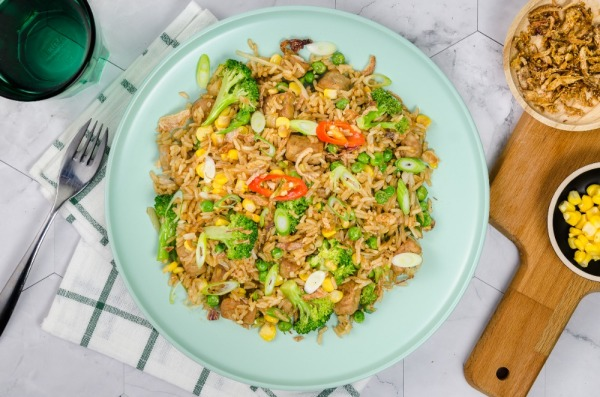 Tempeh Fried Rice with Broccoli, Peas and Corn